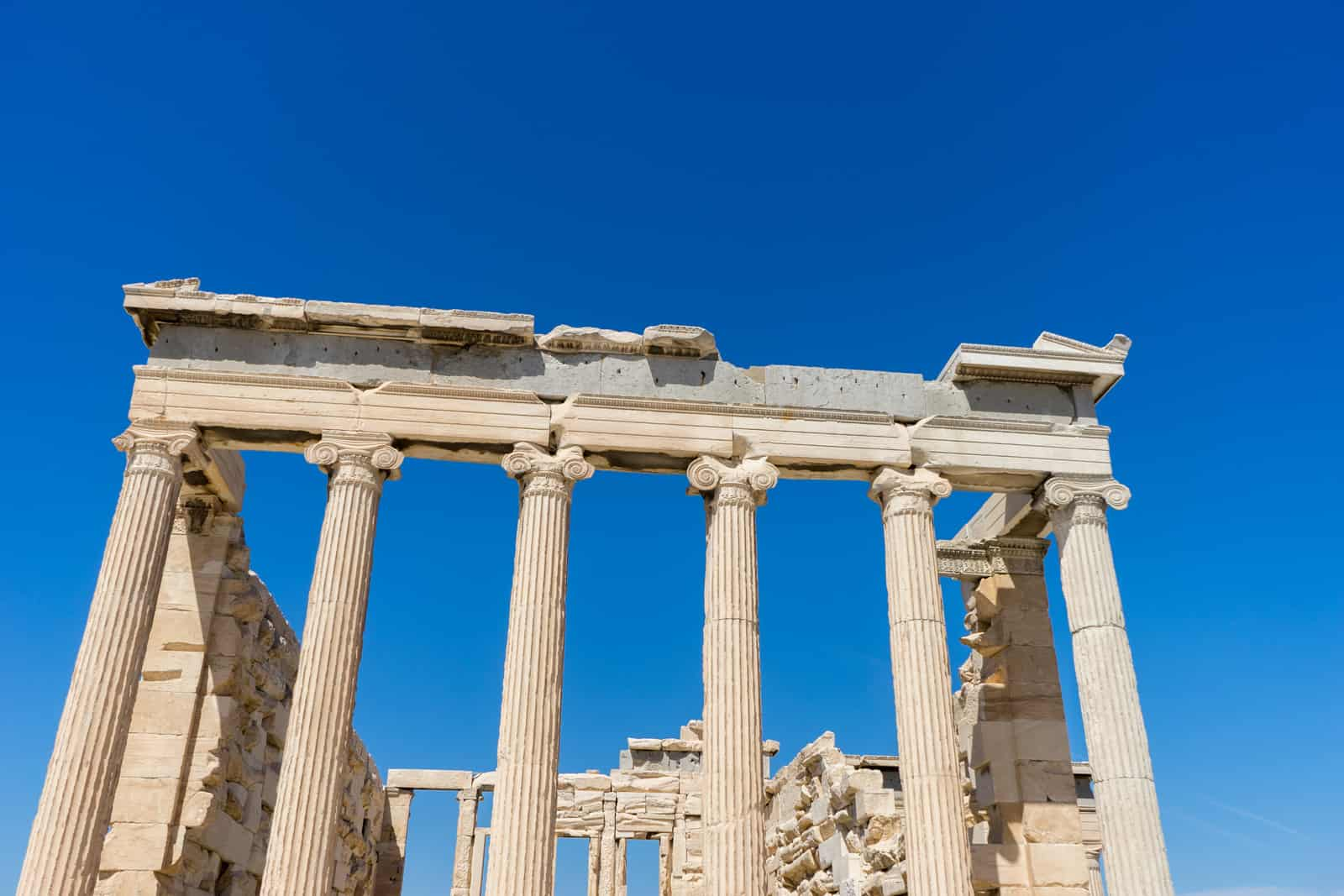 atene acropolis facciata