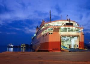 traghetto porto pireo