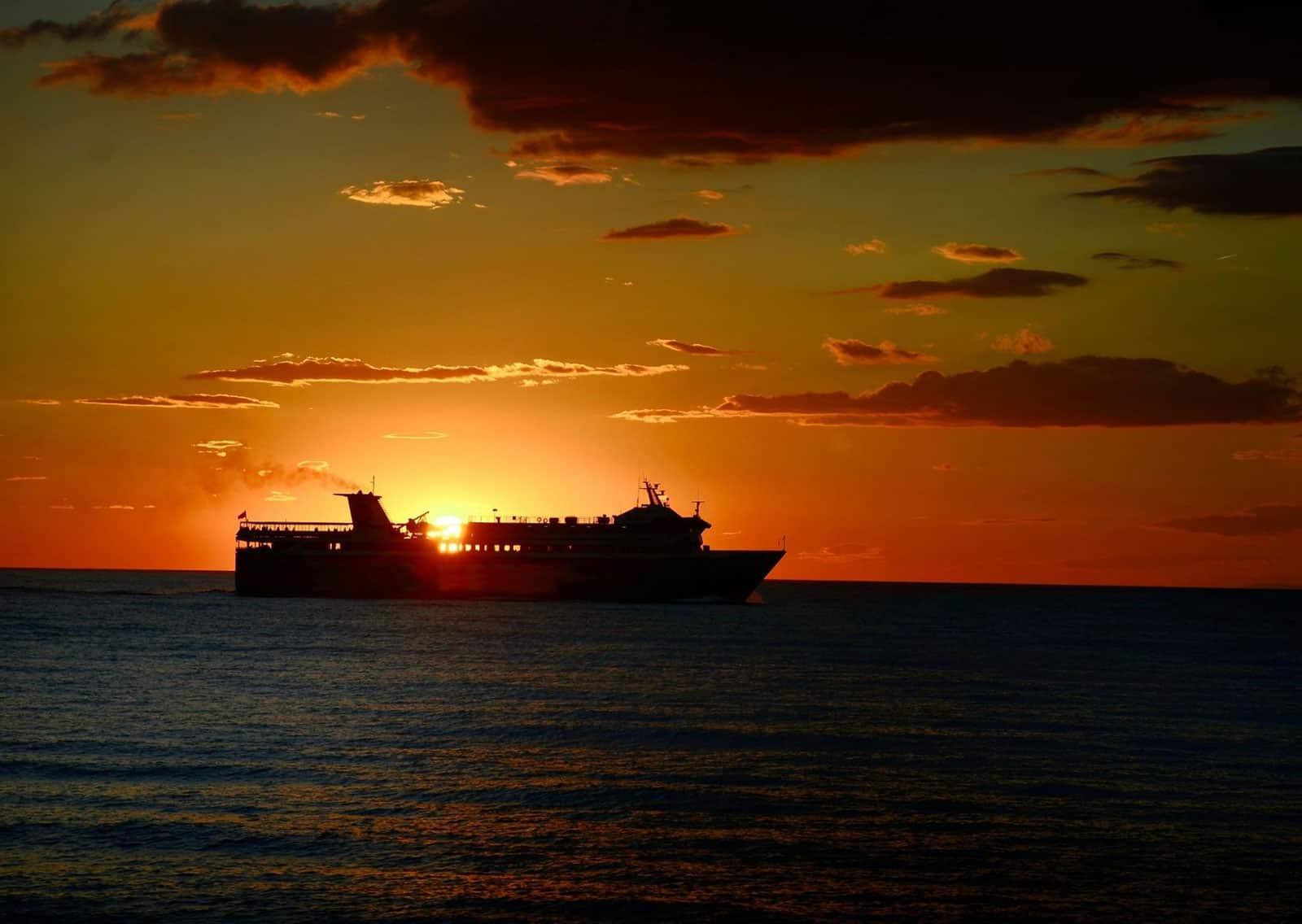 traghetto tramonto 1